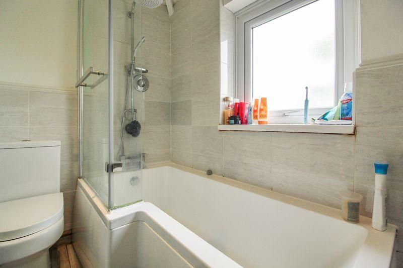 3 Bedroom Semi-Detached for sale in Luton, Sundon Park Road
