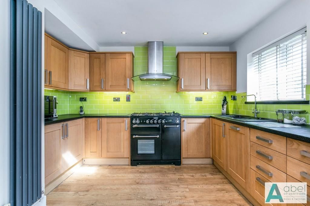3 Bedroom Semi-Detached for sale in Enfield, Kingsfield Drive
