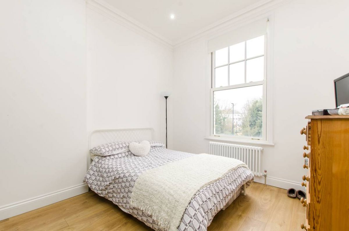 1 Bedroom Flat to rent in Clapham, Kings Avenue