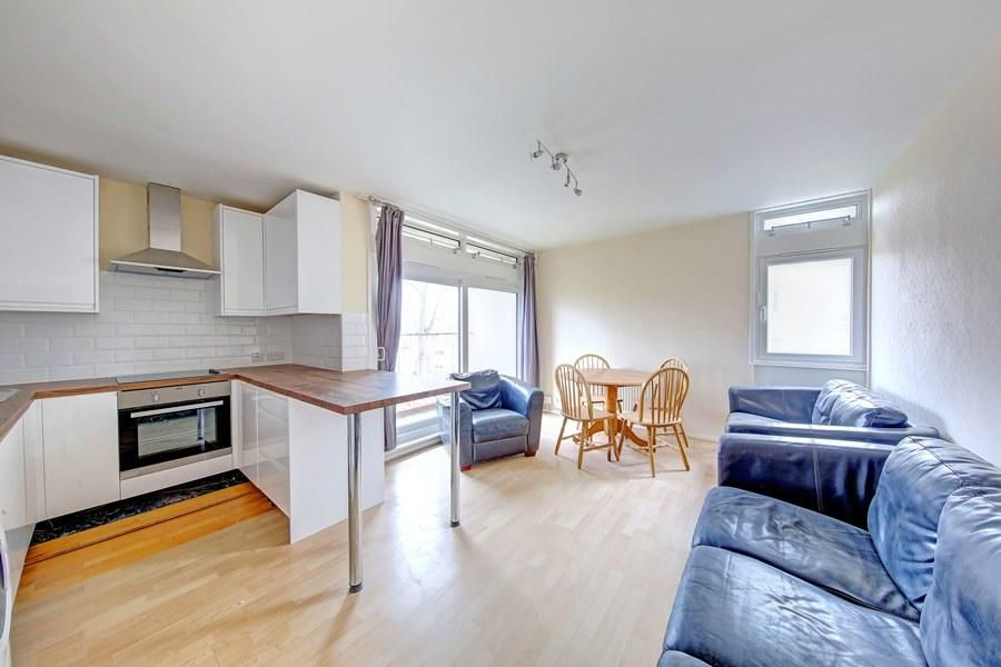 4 Bedroom Flat to rent in Clapham, Cedars Road