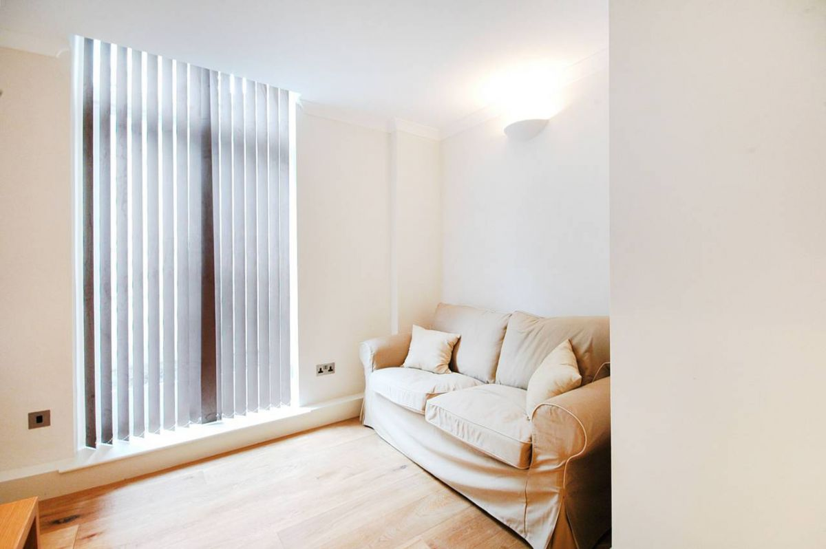 1 Bedroom Flat to rent in South Kensington, Princes Gate