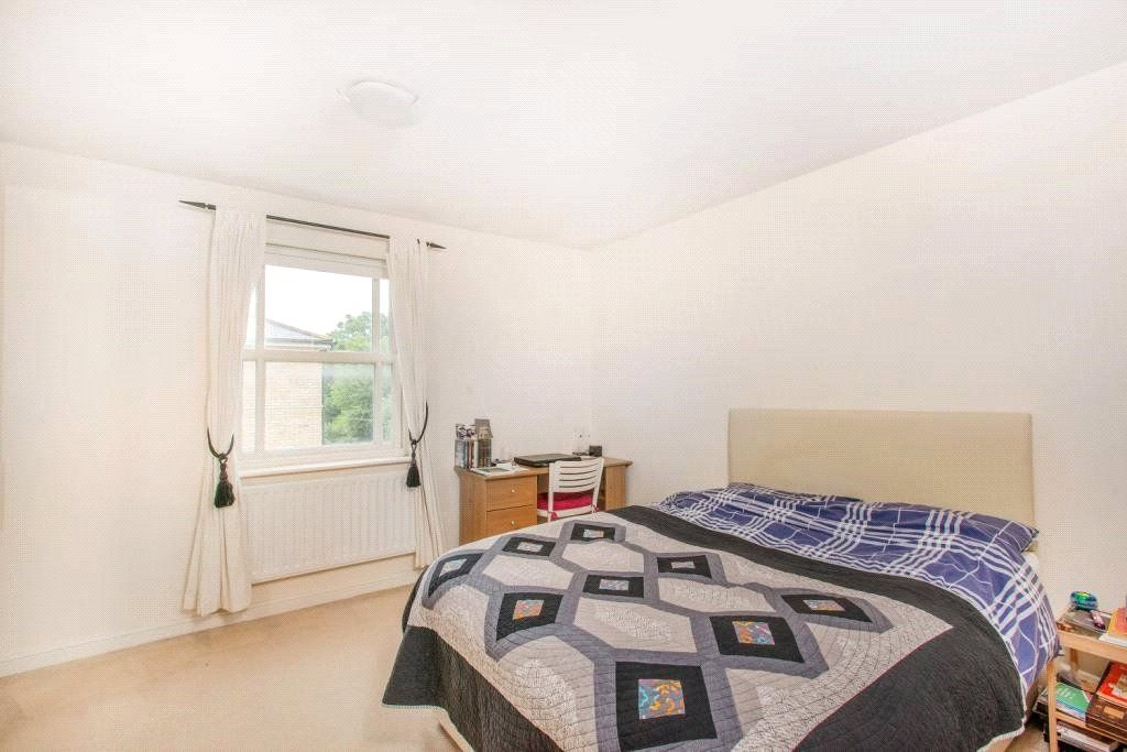 4 Bedroom Detached to rent in Camberwell, Bethwin Road
