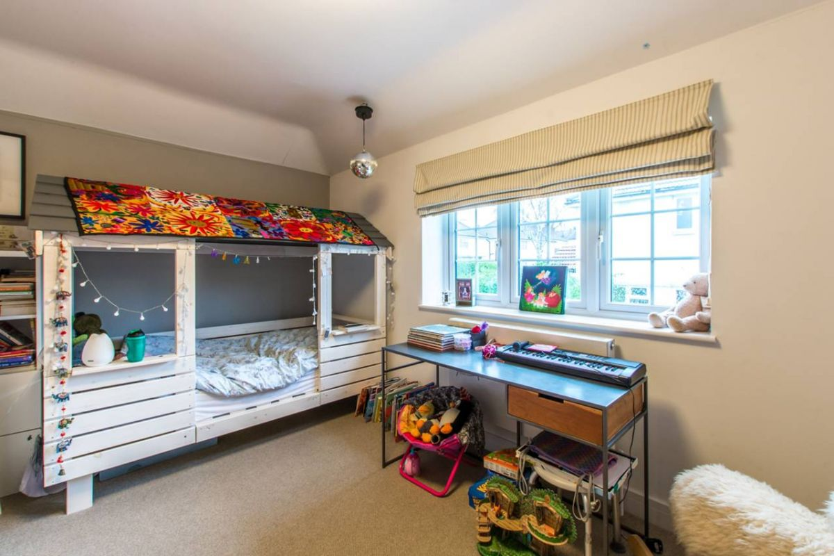 4 Bedroom House to rent in Muswell Hill, Albion Avenue