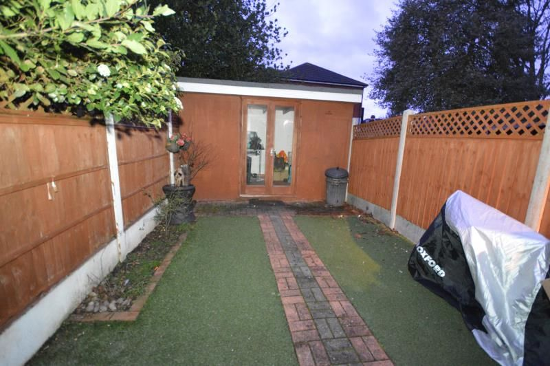 3 Bedroom Terraced to rent in Romford, Bexley Gardens