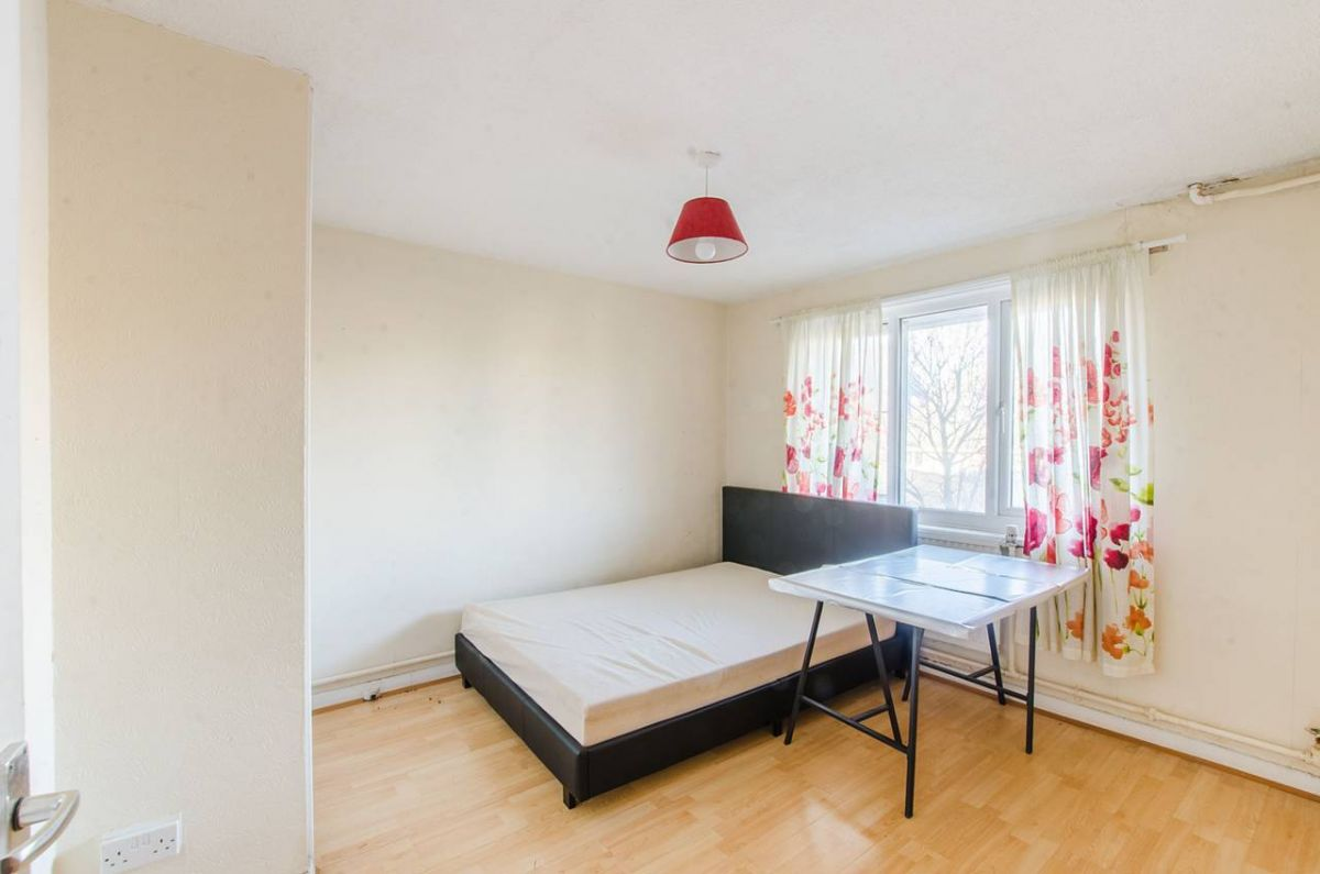 4 Bedroom Flat for sale in Camberwell, Sedgmoor Place