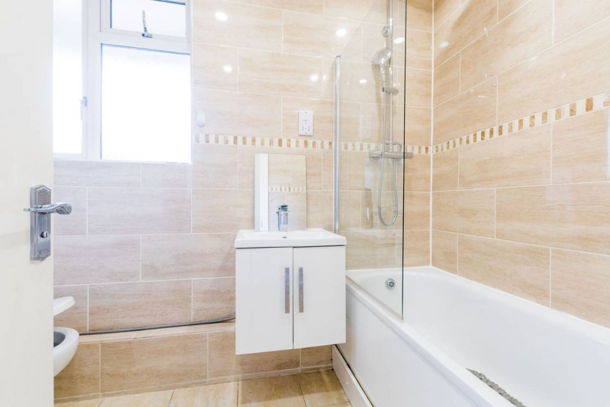 1 Bedroom Flat for sale in Westcombe Park, Corelli Road