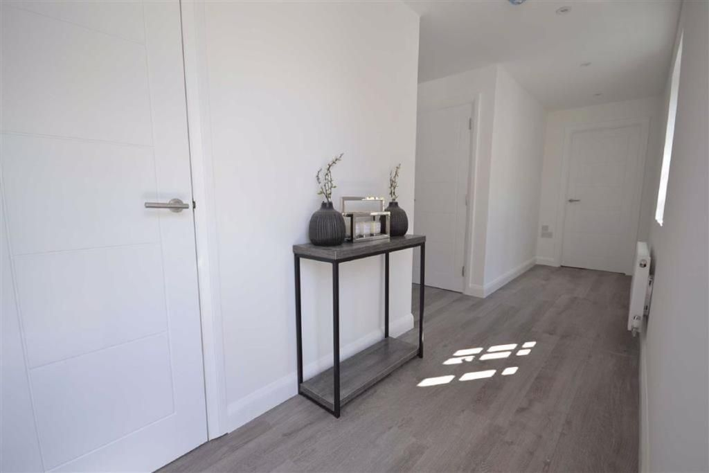 2 Bedroom Flat for sale in Boreham Wood, 1 Shenley Road