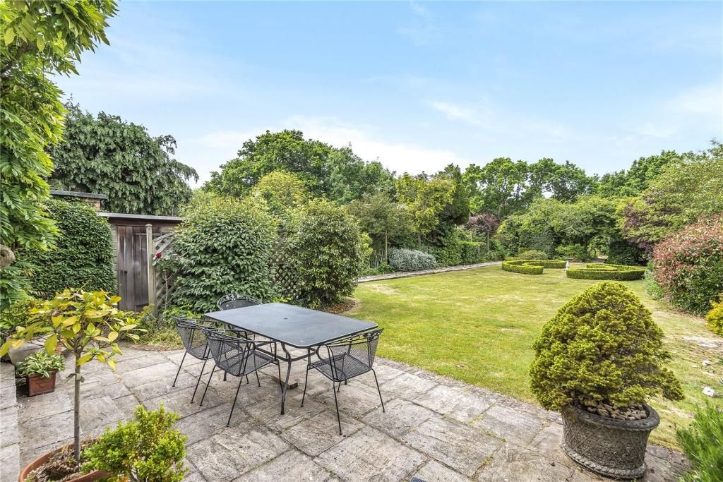 5 Bedroom Detached for sale in Northwood, St. Marys Avenue