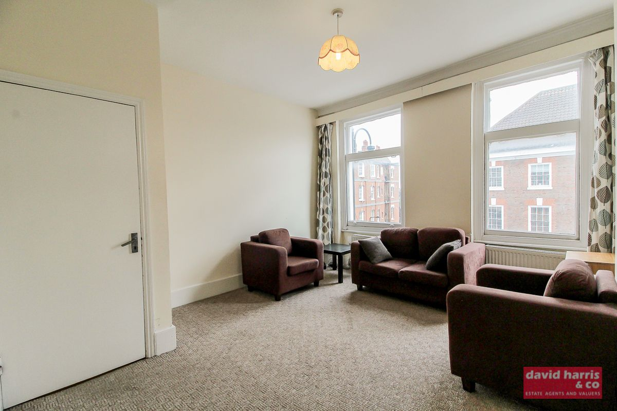 2 Bedroom Flat to rent in Muswell Hill, Avenue Mews