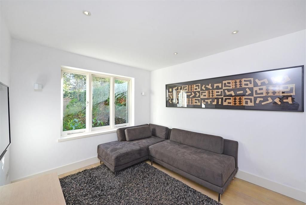 1 Bedroom Apartment to rent in St Johns Wood, Clifton Hill