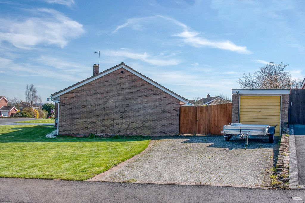 3 Bedroom Bungalow for sale in Worcester, Pepper Street