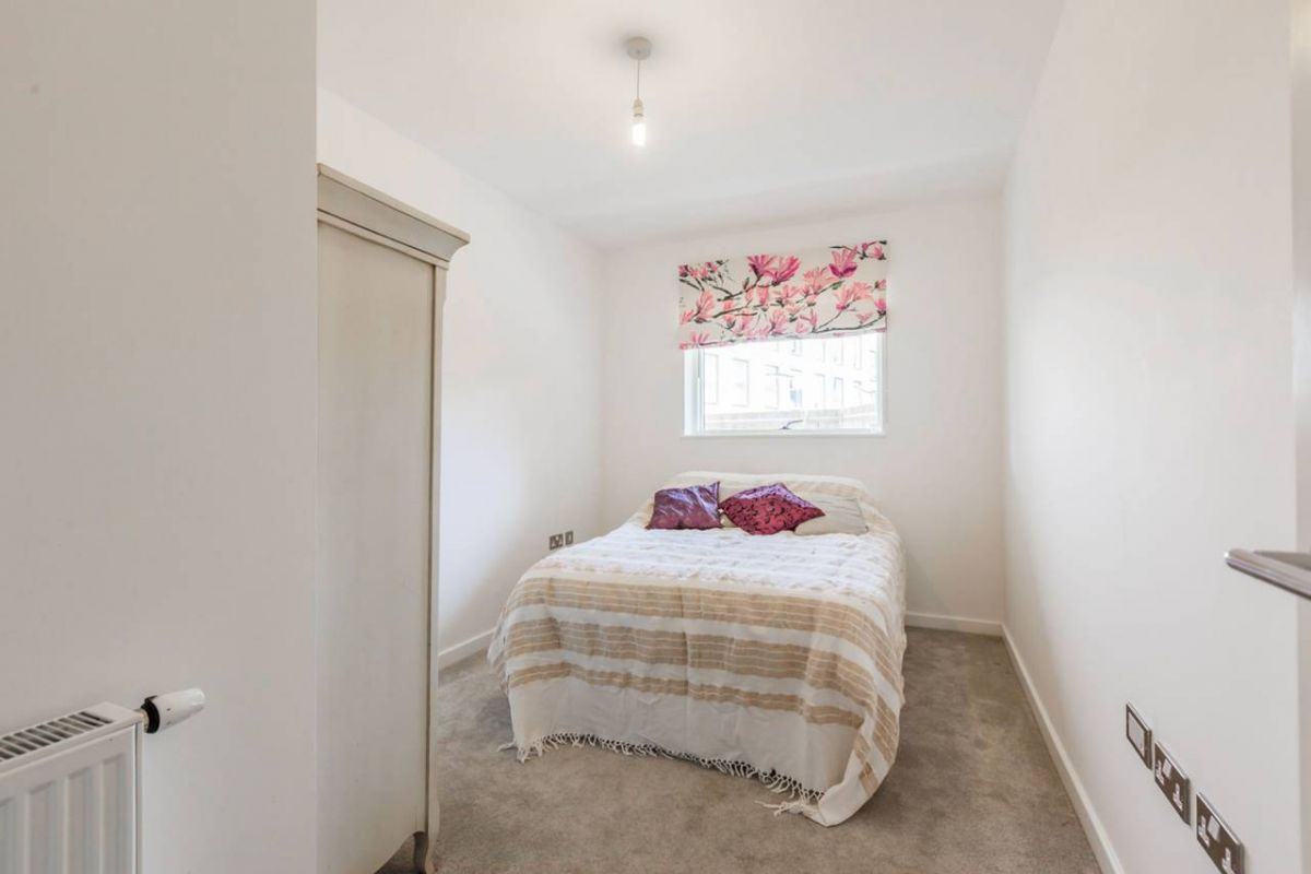 2 Bedroom Flat to rent in Clapham, Bedford Road