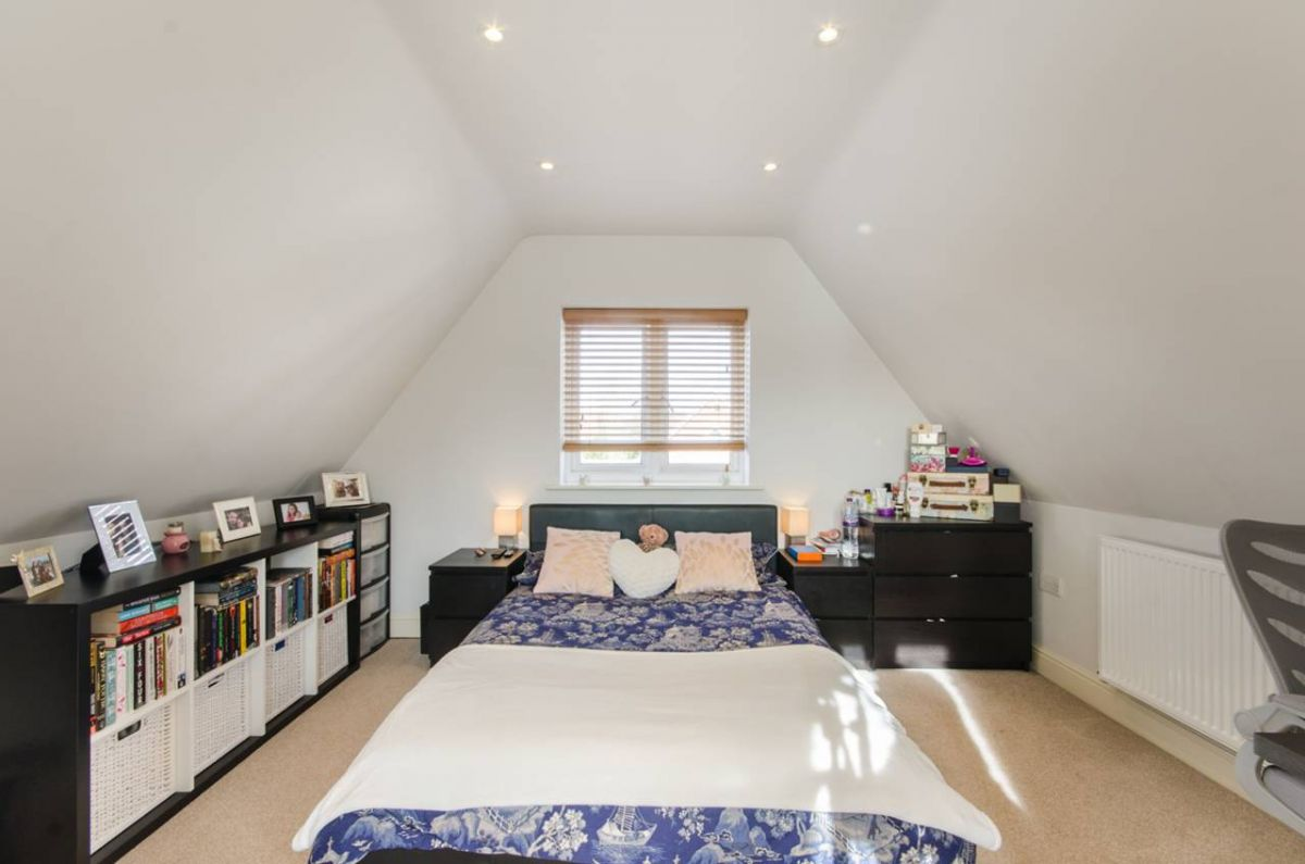 1 Bedroom Flat for sale in Harrow, Hindes Road