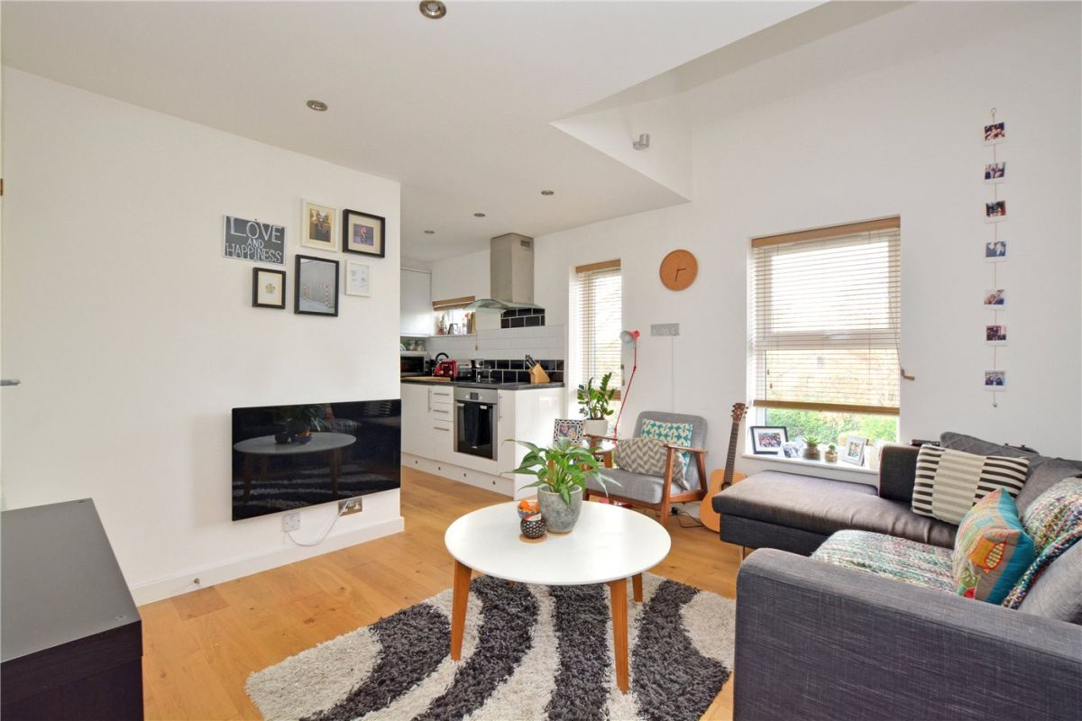 1 Bedroom Flat to rent in Westcombe Park, Vanbrugh Park Road West