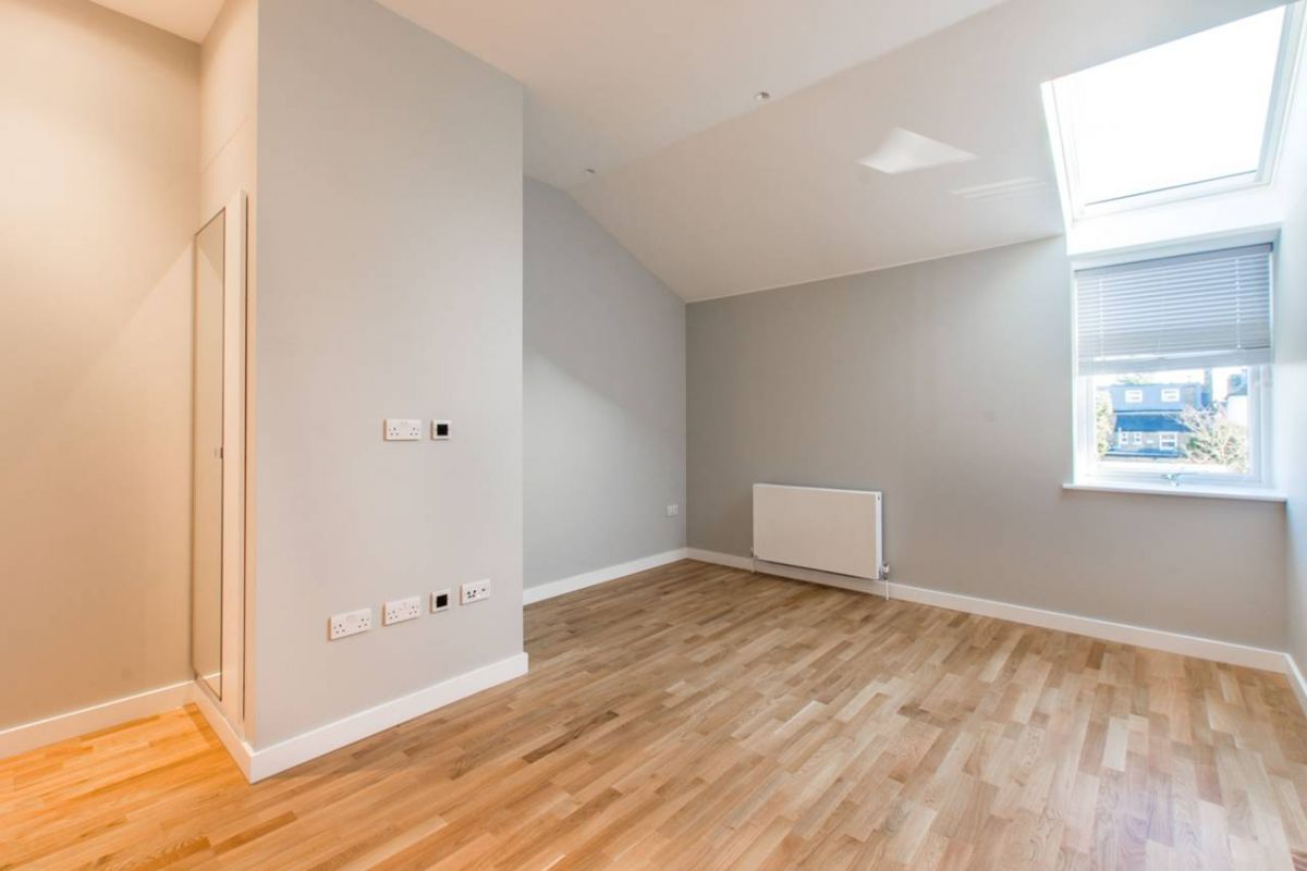 Studio to rent in Palmers Green, Riverside Apartments