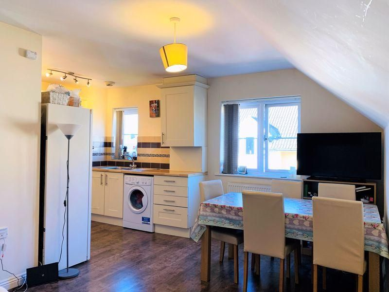 2 Bedroom Flat for sale in Taunton, 2 bed flat in the French Weir Area with no onward chain