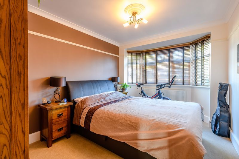 3 Bedroom Apartment for sale in Bournemouth, Southbourne Road
