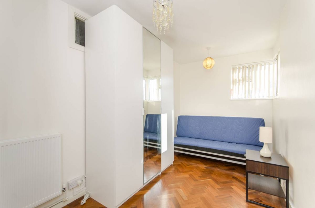 2 Bedroom Flat to rent in West Ealing, Broughton Road