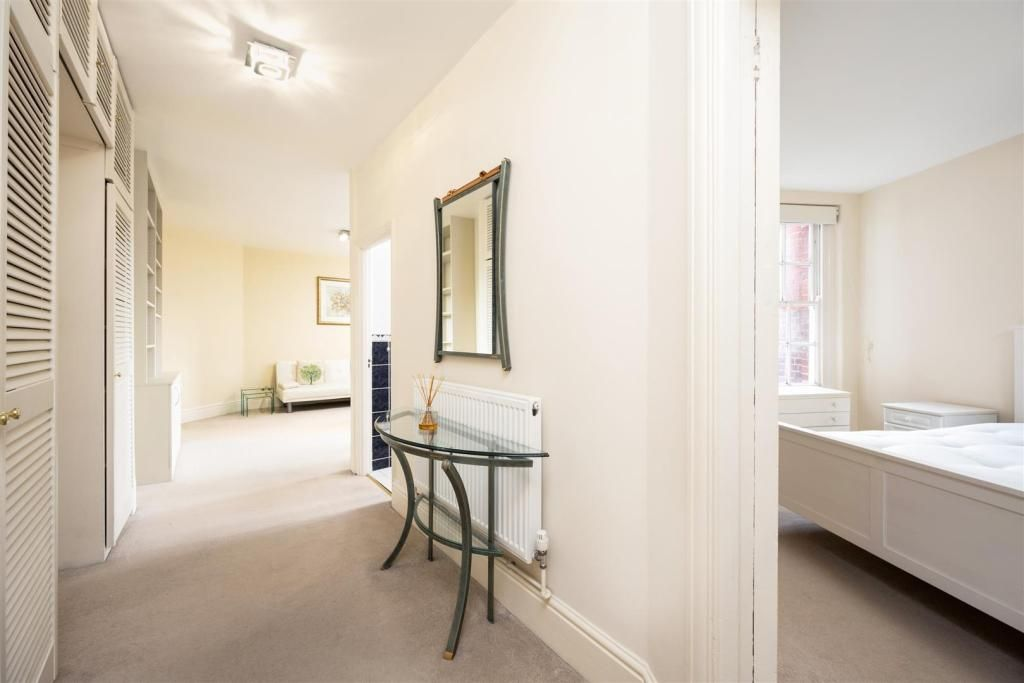 1 Bedroom Apartment for sale in St Johns Wood, Grove End Road