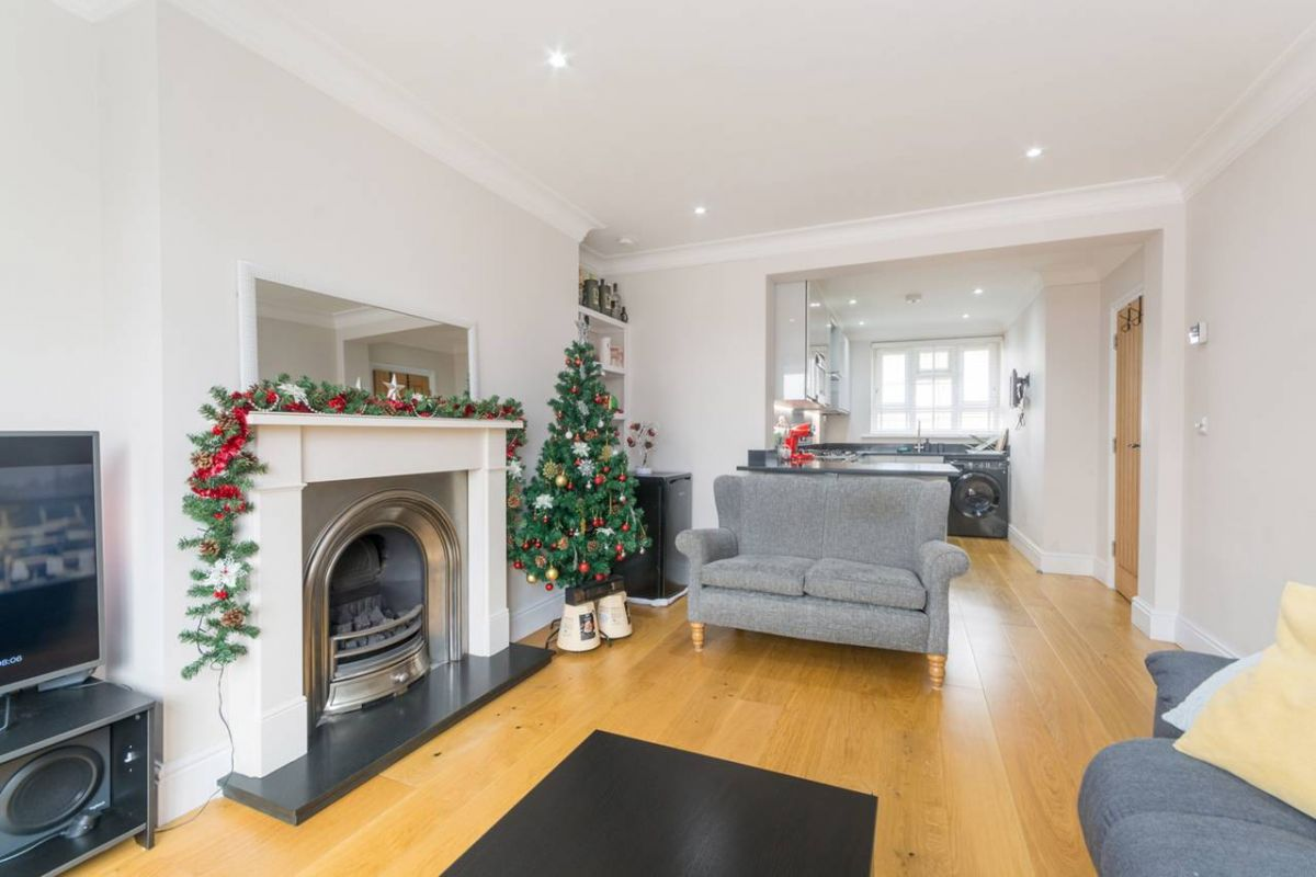 1 Bedroom Flat to rent in West Kensington, Blythe Road