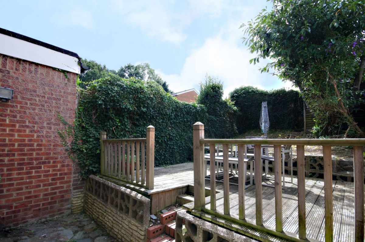 3 Bedroom Terraced to rent in Guildford, Rye Close