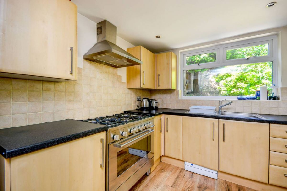 4 Bedroom House to rent in Westcombe Park, Ruthin Road