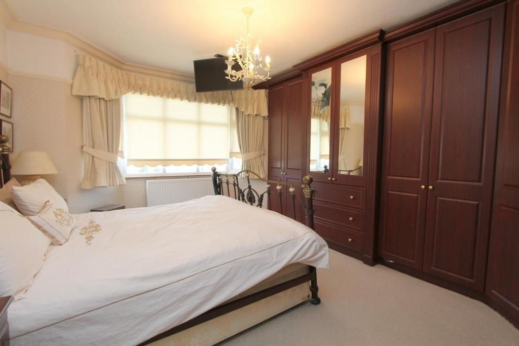 4 Bedroom Detached for sale in Wallington, The Newlands