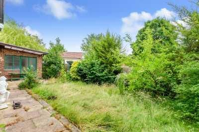 5 Bedroom Detached for sale in Orpington, Lakeswood Road