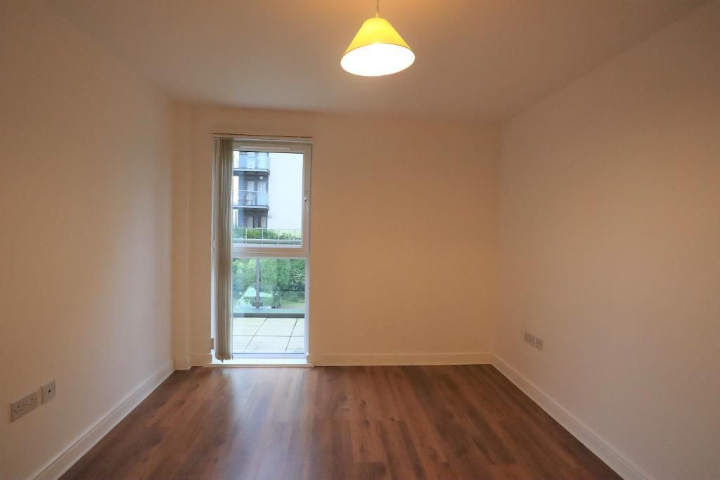 2 Bedroom Flat to rent in Dagenham, 37 Academy Way