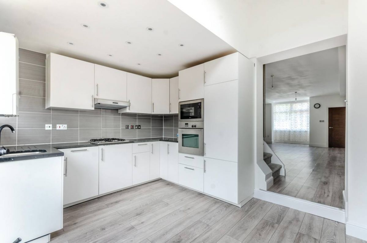 3 Bedroom Terraced for sale in Mitcham, Lansdell Road