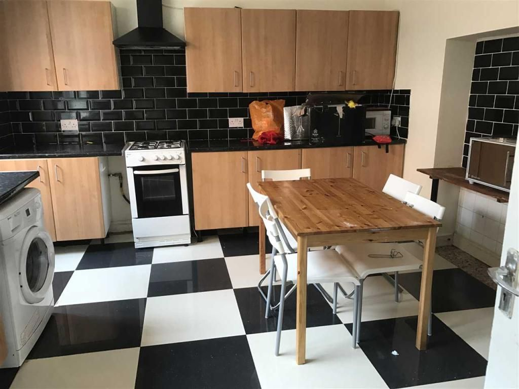 6 Bedroom Terraced to rent in Leicester, Highfield Street