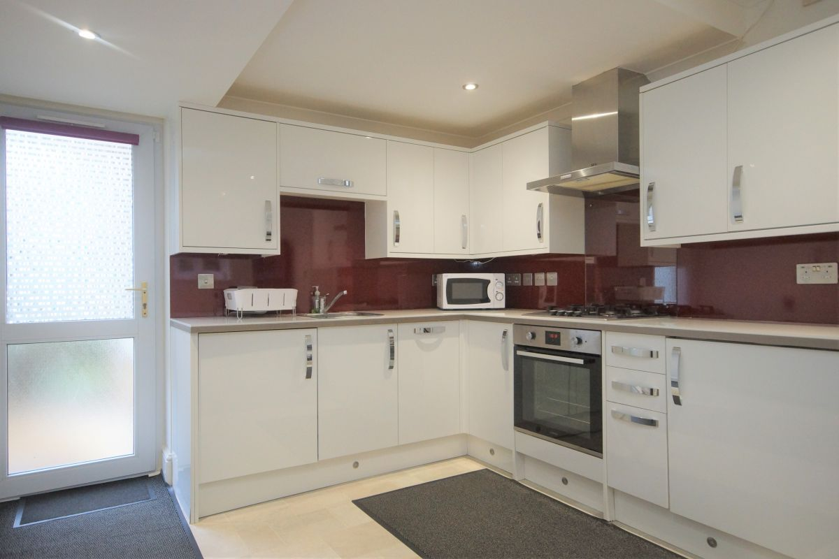 2 Bedroom Flat to rent in Northwood, Watford Road