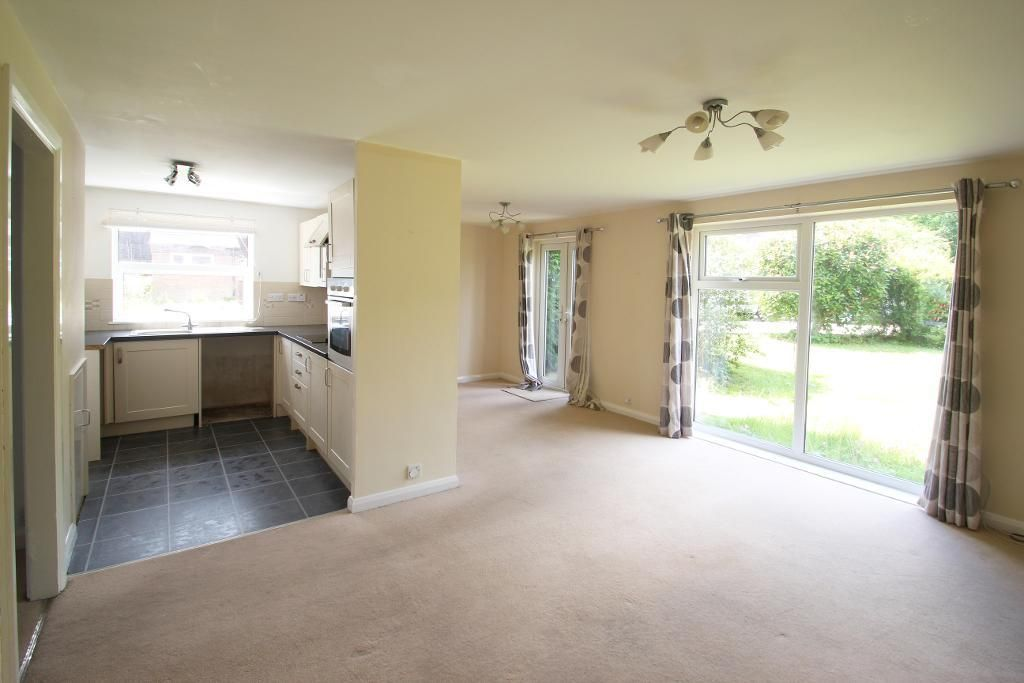 2 Bedroom Flat for sale in Cranbrook, Rothermere Close