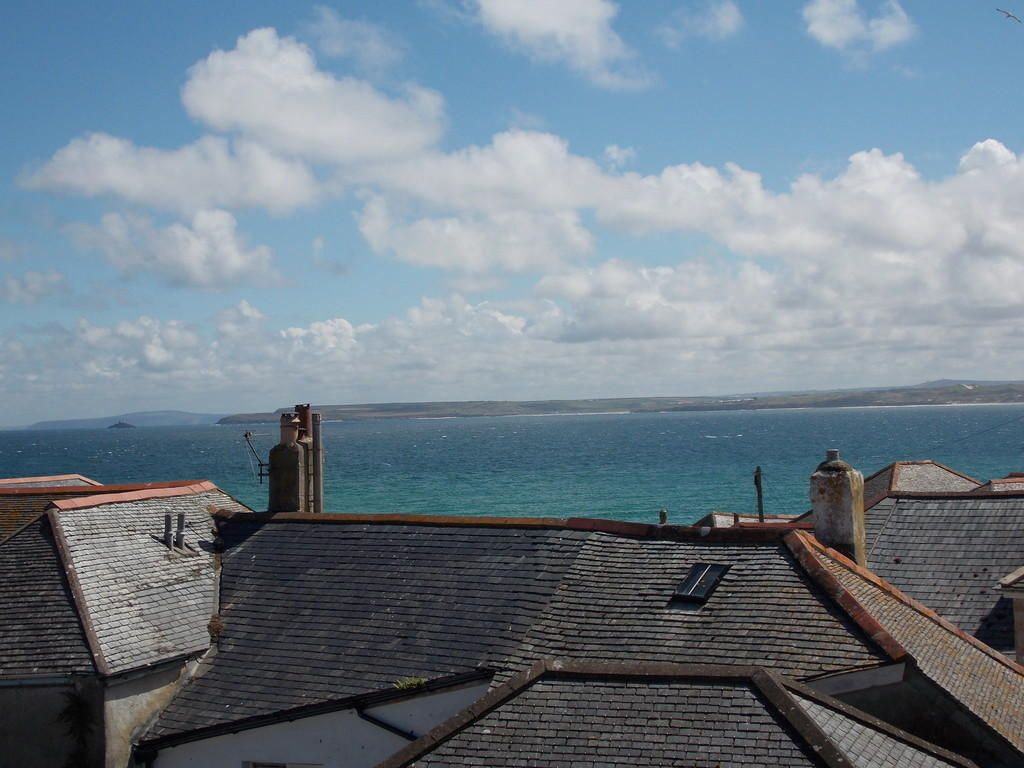4 Bedroom Terraced for sale in St Ives, St. Ives