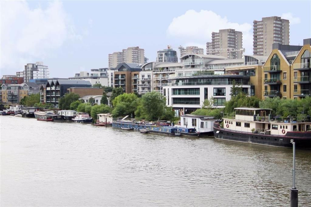 1 Bedroom House Boat to rent in Brentford, The Hollows