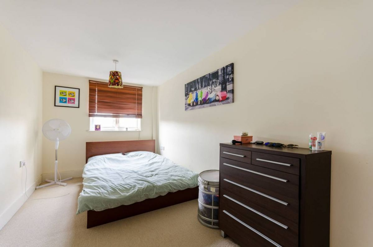 1 Bedroom Flat for sale in Croydon, Wandle Road