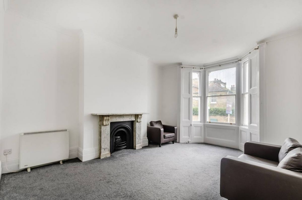1 Bedroom Flat for sale in Acton, Spencer Road